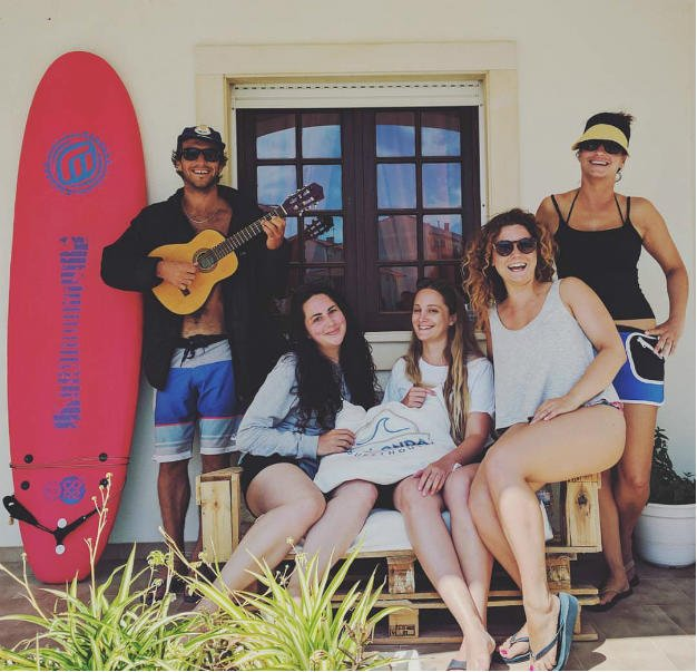 Friends - Boa Onda Guesthouse Peniche