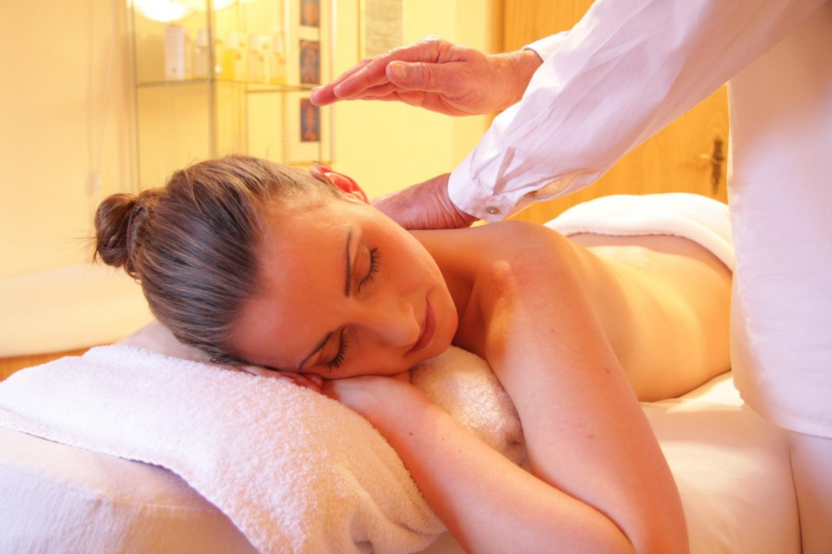 Osteopathic massage therapy in Peniche