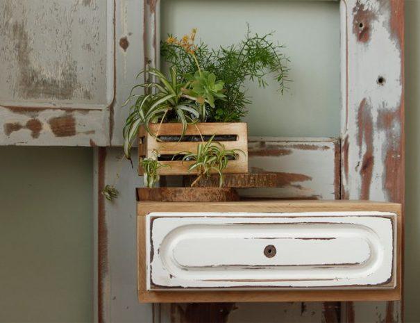 Almagreira-House-Earth-Room-drawer