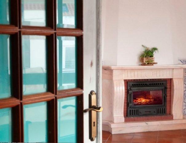 Almagreira-House-Room-Fire-1024x683