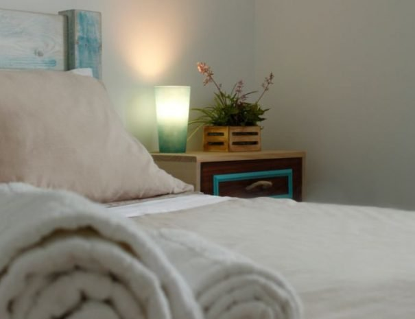 Baleal Double Room-Light-and-flowers